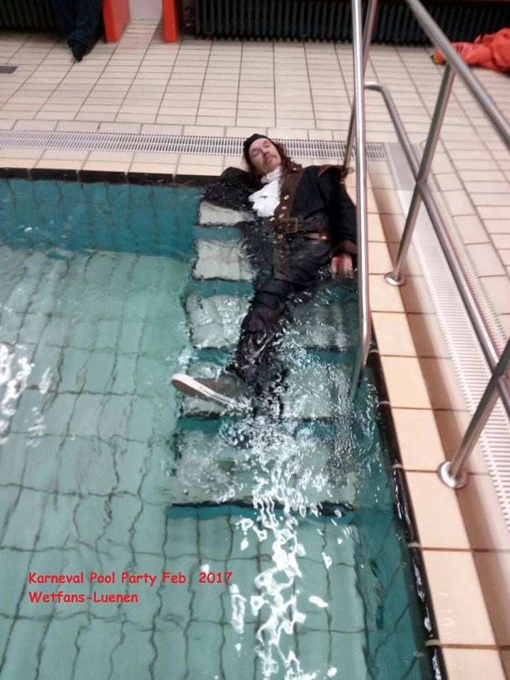 poolparty klamotten baden